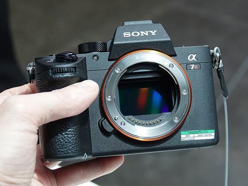دوربین سونی a7R III