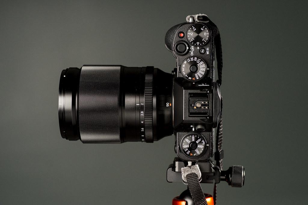 لنز فوجی XF 90mm f/2 R LM WR