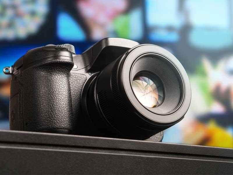 با دوربین EOS R چه حدسی در مورد آینده کانن میزنیم؟