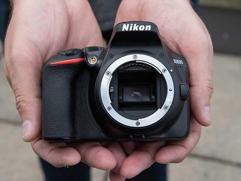 نیکون D3500