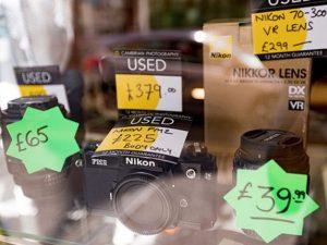چگونه دوربینها و لنزهای قدیمیتان را بفروشید؟