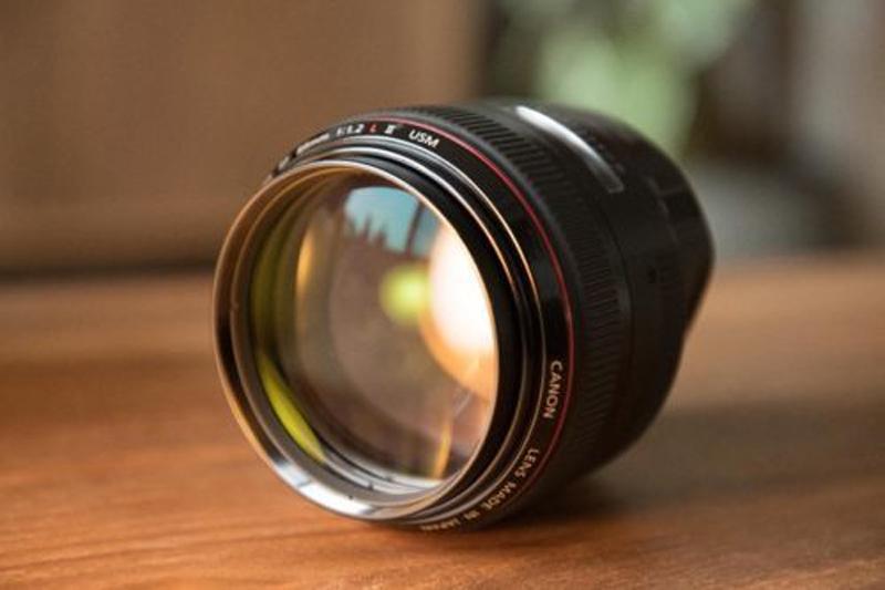 لنز RF 85mm f/1.2L کانن