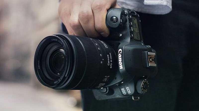 دوربین عکاسی EOS 80D