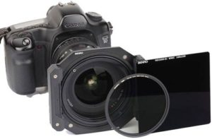 فیلتر دوربین عکاسی بنرو نصب شده