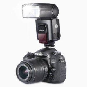 رادیو فلاش نصب شده روی دوربین نیکون