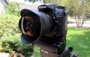 لنز واید نصب شده روی دوربین نیکون نصب شده روی سه پایه