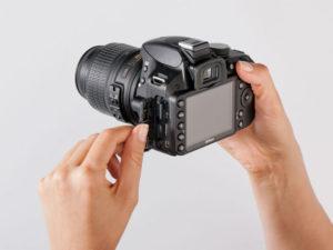 چطور یک دوربین DSLR را در دست بگیریم؟