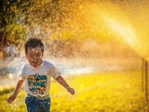تنظیمات دوربین برای عکاسی از کودکان در فضای باز