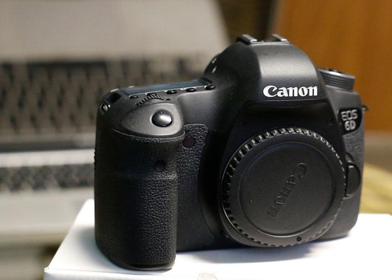 دوربین عکاسی 80D