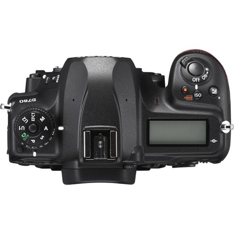 دوربین نیکون D780