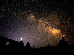 گرفتن عکسهای بهتر از آسمان با انباشت تصویر