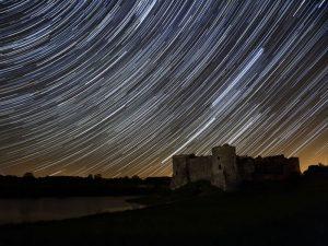 استفاده از دنباله ستارهها برای عکاسی از آسمان شب